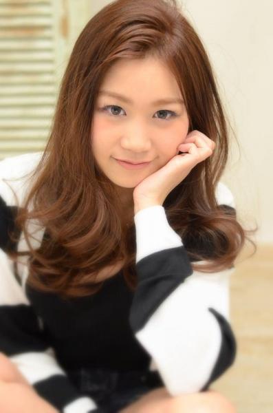 横浜元町 美容院 美容室 アゴラルルディ ヘアカタログ アッシュ ピンク ベージュ 流行ヘアカラー
